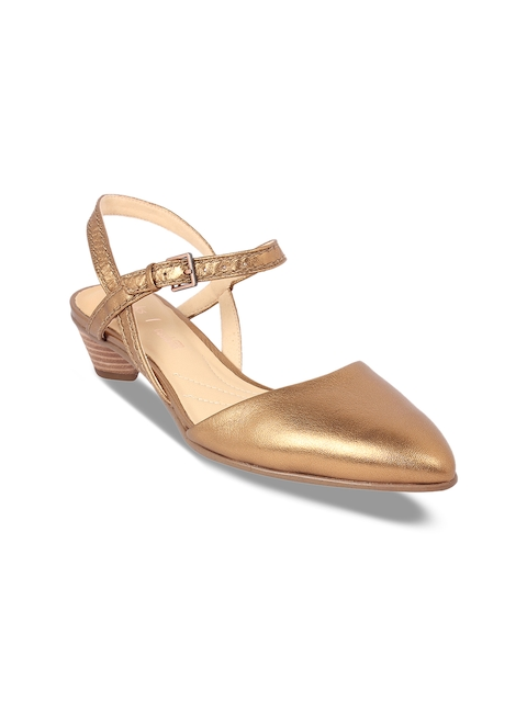 Clarks Women Gold-Toned Solid Leather Sandals