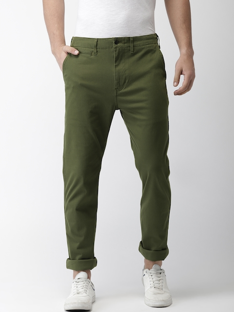 Levis Men Olive Green Slim Fit Solid Chinos