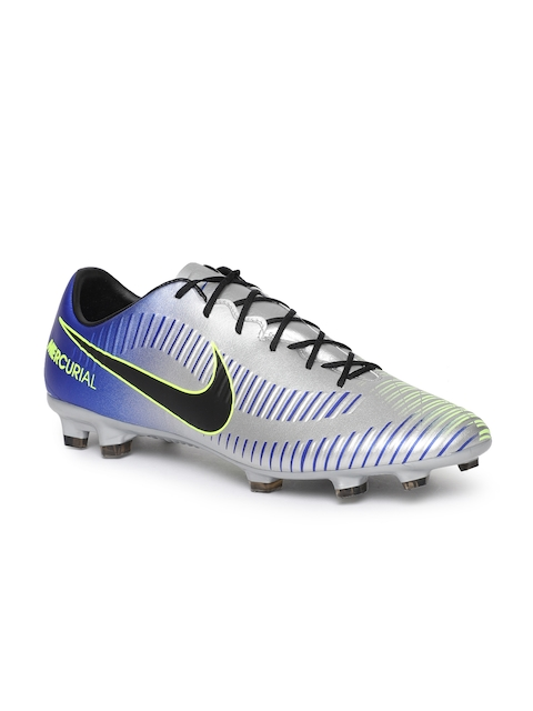 Nike Men Silver-Toned Football Shoes
