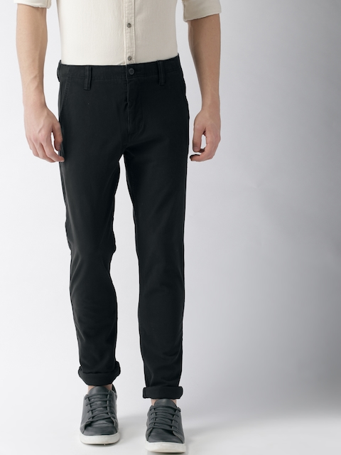 Levis Men Black Slim Taper Fit Solid Chinos 512