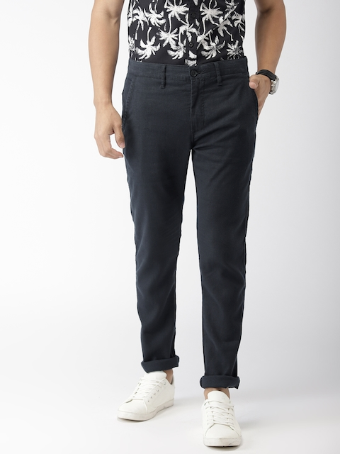 Levis Men Black 512 Slim Fit Solid Chinos
