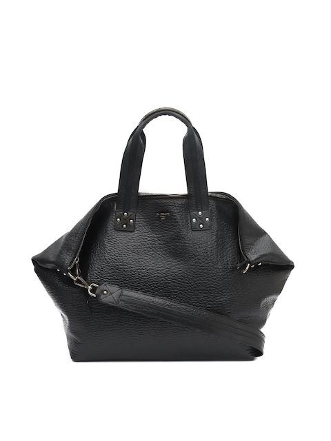 Da Milano Black Women Solid Handheld Bag