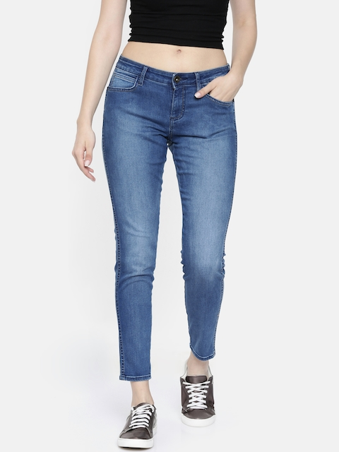 Wrangler Women Blue Regular Fit Mid-Rise Clean Look Stretchable Cropped Jeans