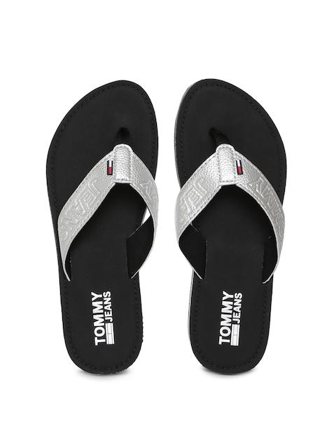 Tommy Hilfiger Women Silver-Toned Solid Thong Flip-Flops