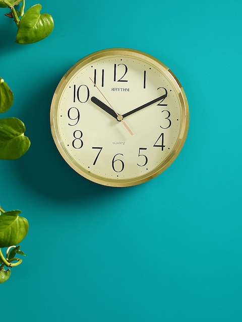 Rhythm Gold-Toned Handcrafted Round Solid Analogue Wall Clock