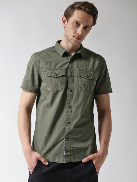 Superdry Men Olive Green Regular Fit Solid Casual Shirt