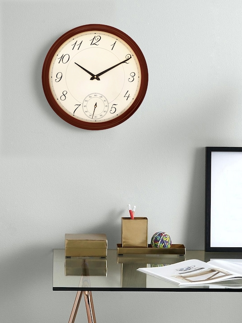 eCraftIndia Brown Handcrafted Round Solid Analogue Wall Clock