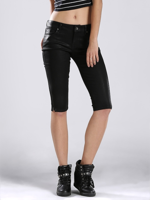 GUESS Women Black Capris