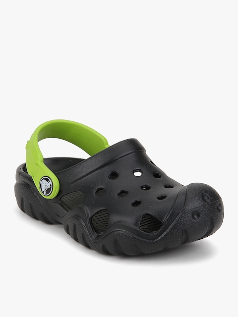 Swiftwater Black Clogs