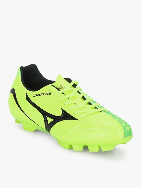 Ignitus 4 Md Green Football Shoes