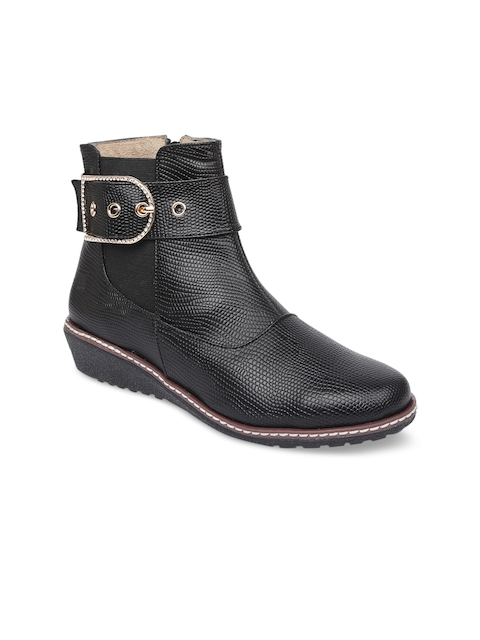 VALIOSAA Women Black Solid Heeled Boots
