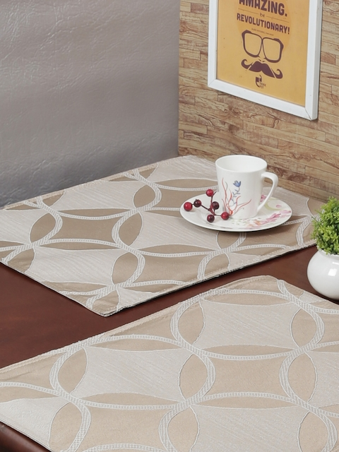 RANGRAGE Set of 6 Gold-Toned Handcrafted Table Placemats