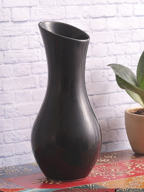 VarEesha Black Handcrafted Ceramic Vase
