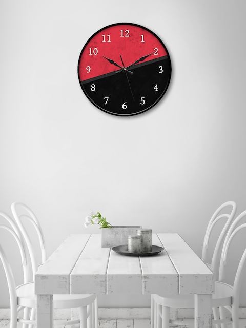 999Store Black & Pink Round Colourblocked 45.7 cm Analogue Wall Clock