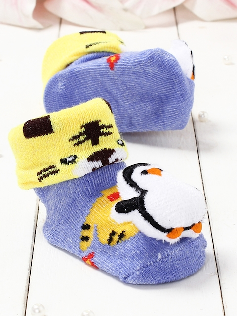 Walktrendy Infant Blue & Yellow Patterned Penguin Booties
