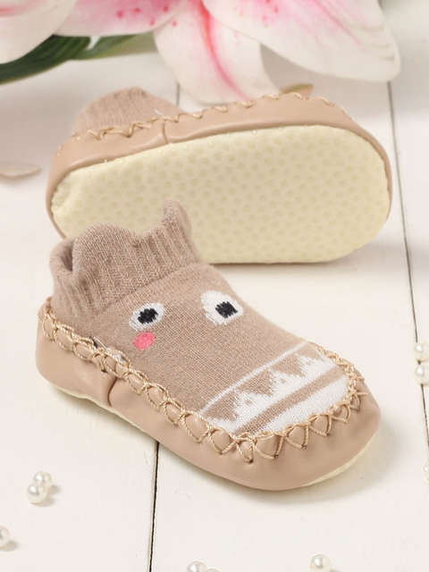 Walktrendy Infant Girls Beige Anti-Slip Grip Booties
