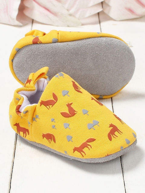 Walktrendy Kids Yellow Printed Booties