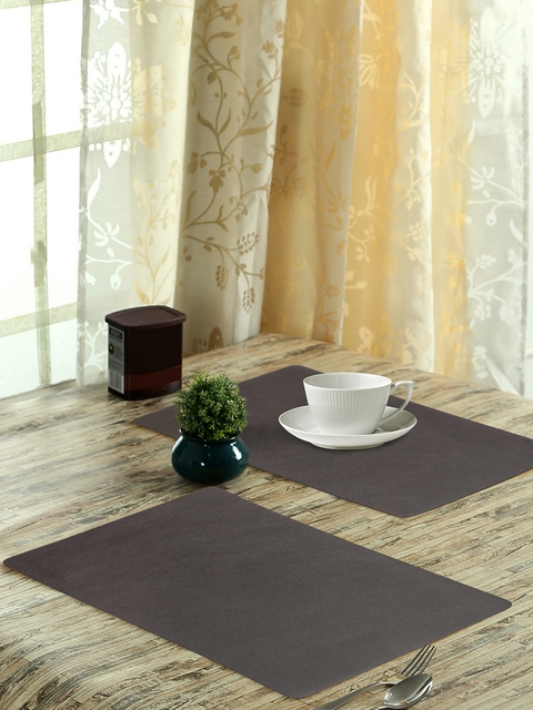 OBSESSIONS Glory Set of 6 Cream-Coloured Textured Stain Resistant Table Placemats