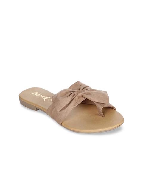 Aber & Q Women Beige Solid One Toe Flats