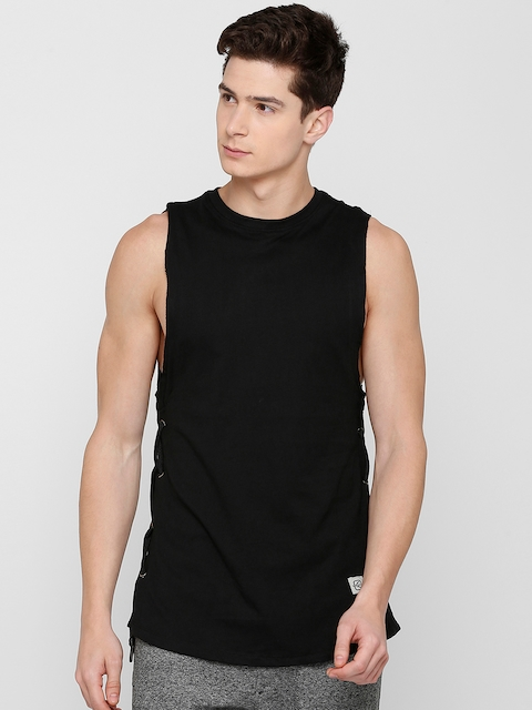 SKULT by Shahid Kapoor Men Black Solid Round Neck T-shirt