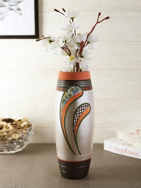 VarEesha Grey & Silver-Toned Handcrafted Terracotta Vase
