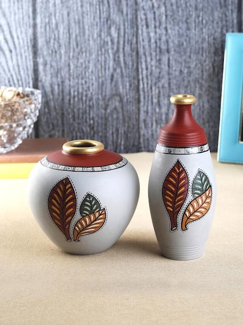VarEesha Set of 2 Multicoloured Handcrafted Terracotta Vases