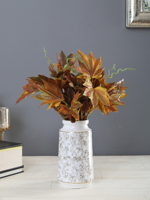 OddCroft White & Gold-Toned Textured Ceramic Flower Vase