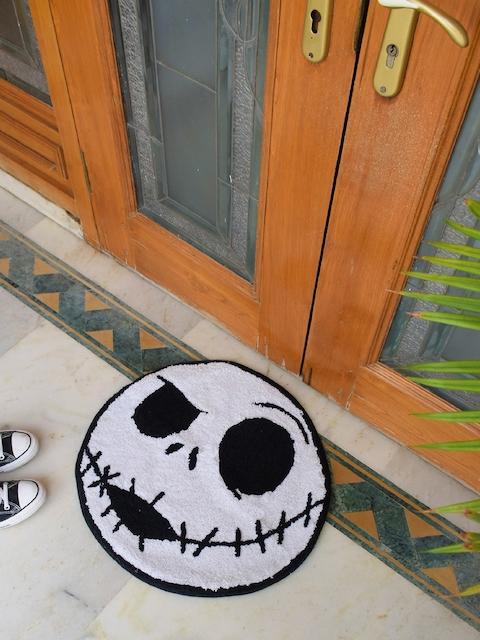 Avira Home White & Black Circular Monster Kids Cotton Bathmat