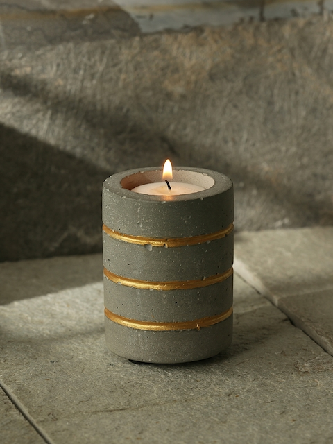 ExclusiveLane Grey Handcrafted Concrete Tea Light Holder
