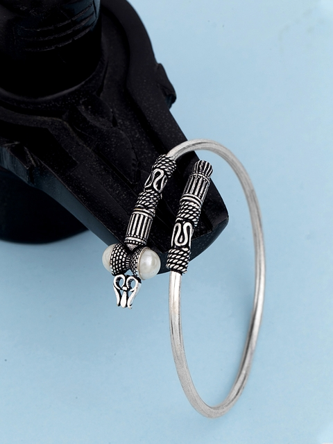 Dare by Voylla Men Silver-Toned Brass Silver-Plated Oxidised Kada Bracelet