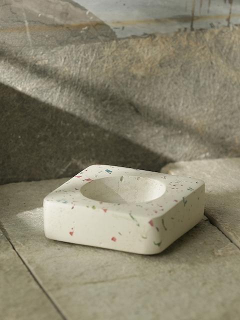 ExclusiveLane White Handcrafted Concrete Bottle Holder