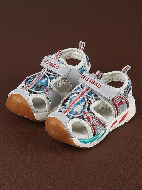 Walktrendy Kids Grey Printed Sandals