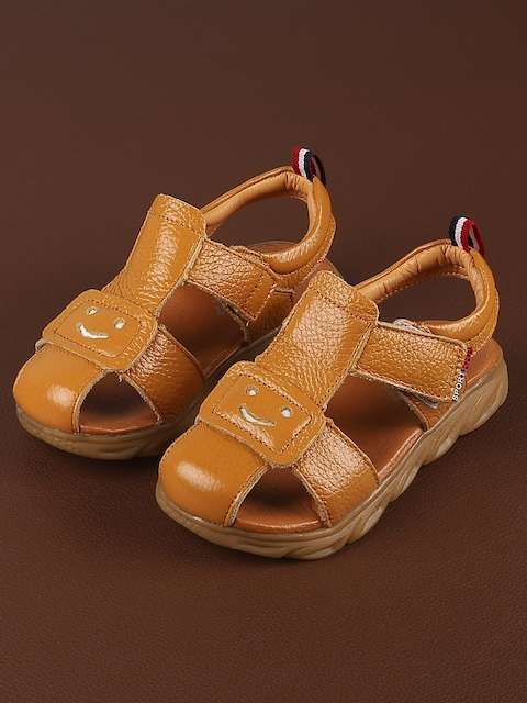 Walktrendy Boys Tan Brown Sandals