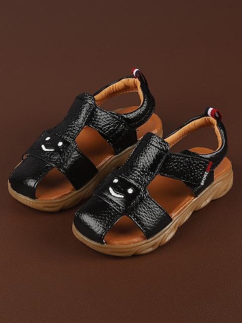 Walktrendy Boys Black Sandals