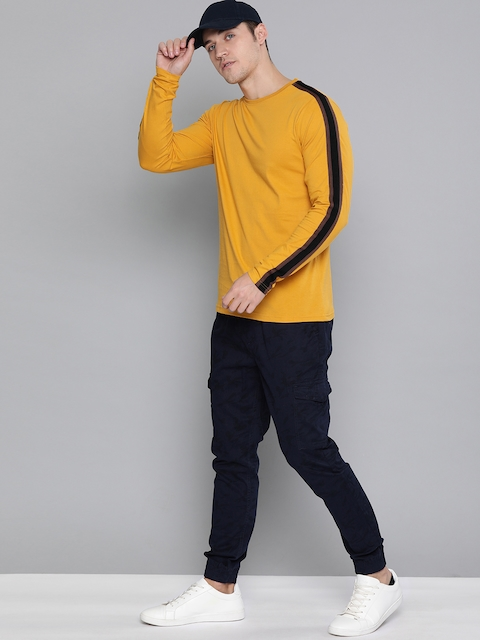 DILLINGER Men Mustard Yellow Solid Round Neck T-shirt