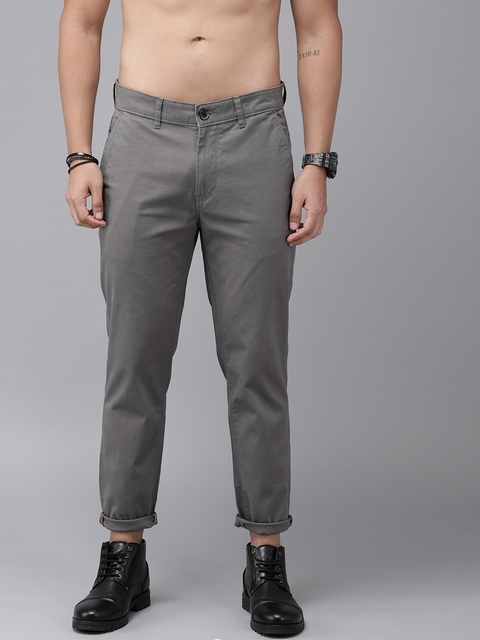 Roadster Men Grey Slim Fit Solid Chinos 1