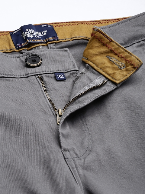 Roadster Men Grey Slim Fit Solid Chinos 5
