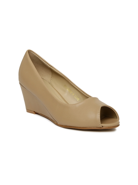 8c7b4273870 Women Van Heusen Casual Shoes   Sneakers Price List in India on ...