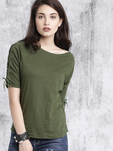 Roadster Women Olive Green Solid Boat Neck T-shirt