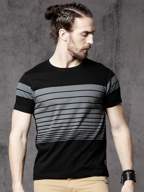 Roadster Men Black & Grey Striped Round Neck T-shirt