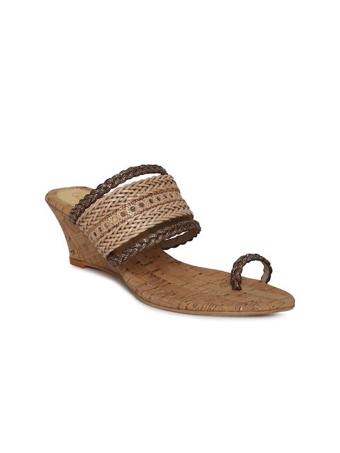 Catwalk Women Beige Solid Sandals