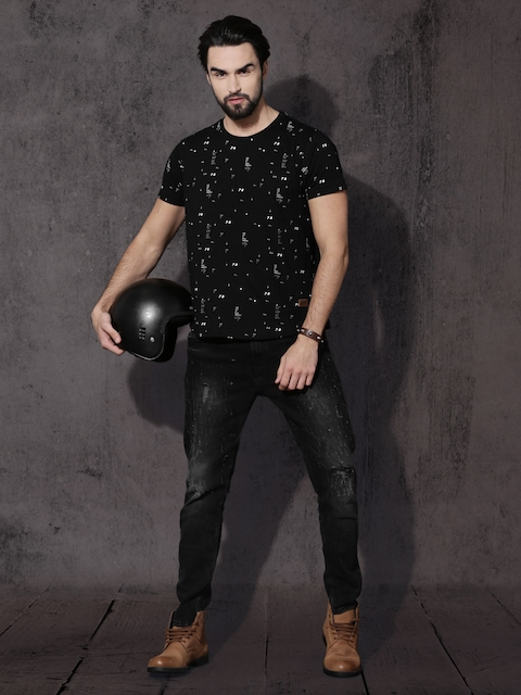 Roadster Men Black All-Over-Printed Round Neck T-shirt 5