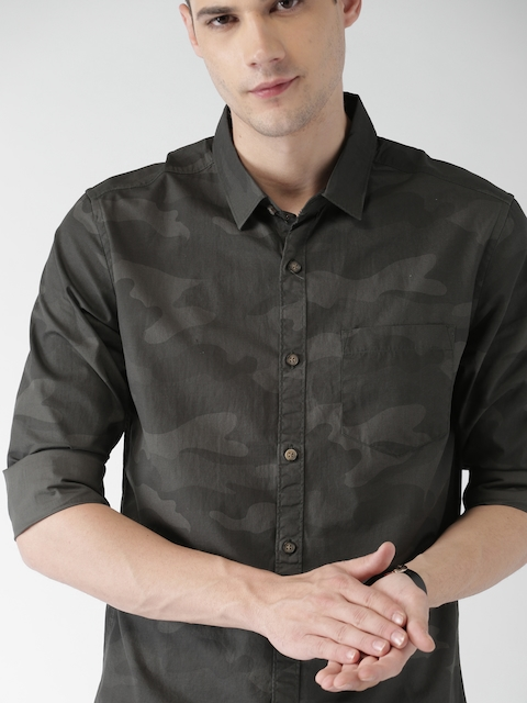HIGHLANDER Men Olive Green Slim Fit Camouflage Printed Casual Shirt