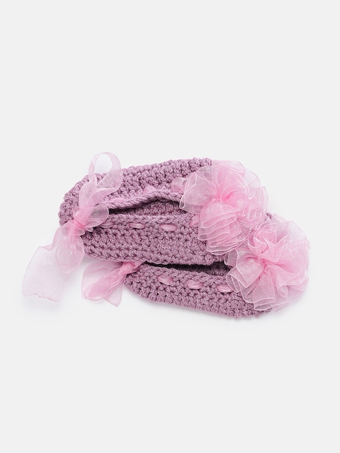 Magic Needles Girls Mauve Handmade Knit Crochet Woolen Booties