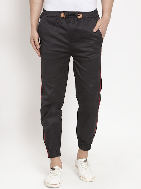 VOXATI Men Black Tapered Fit Solid Joggers