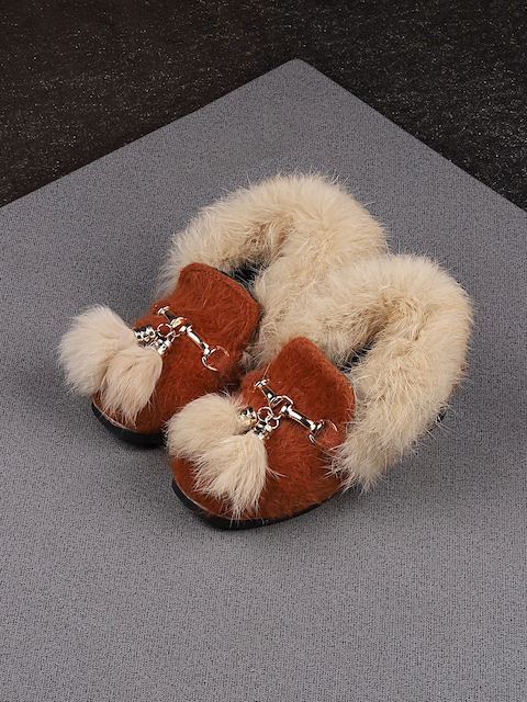 Walktrendy Girls Brown Furry Loafers