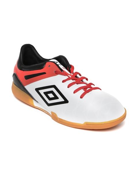 Umbro Men White Sports Shoes