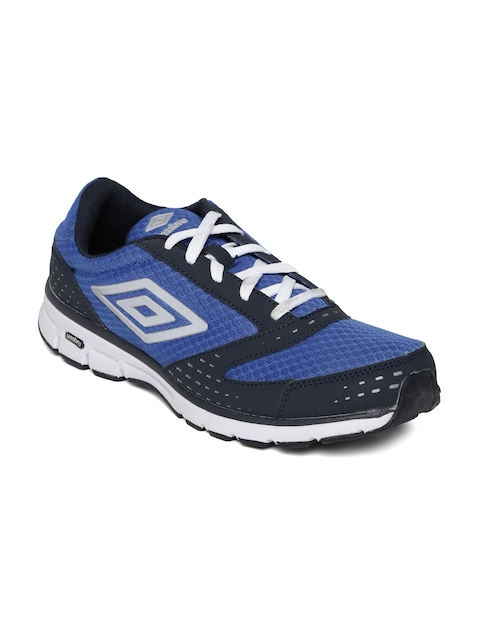 Umbro Men Blue & Navy Sports Shoes