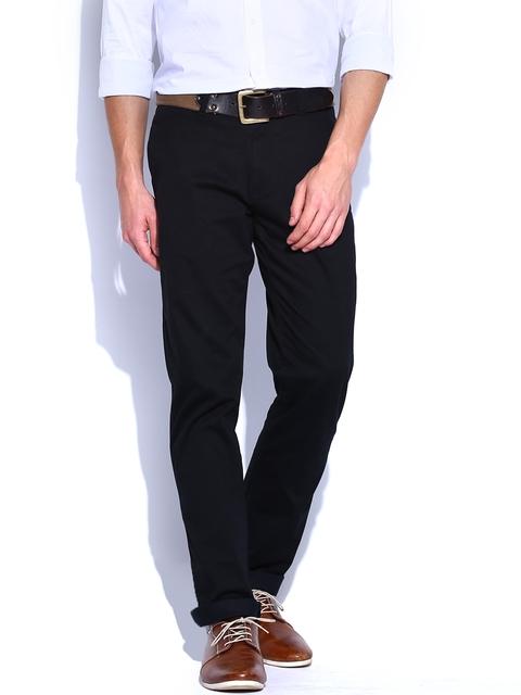 IZOD Men Black Slim Fit Trousers