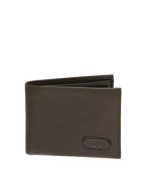 Levis Men Brown Leather Wallet